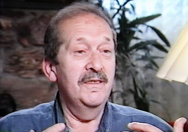 Screenshot of Simon Korn, during his interview with the Survivors of the Shoah Visual History foundation in 1995.